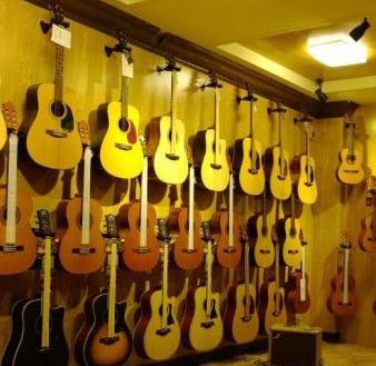 六月天吉他培训