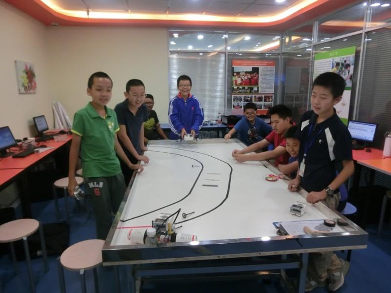 玛酷机器人教育加盟