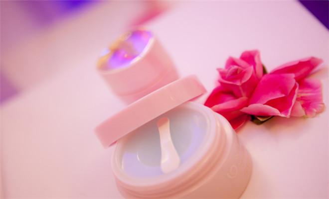 自然堂化妆品加盟