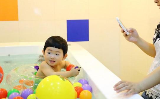 伊贝莎婴儿游泳馆加盟